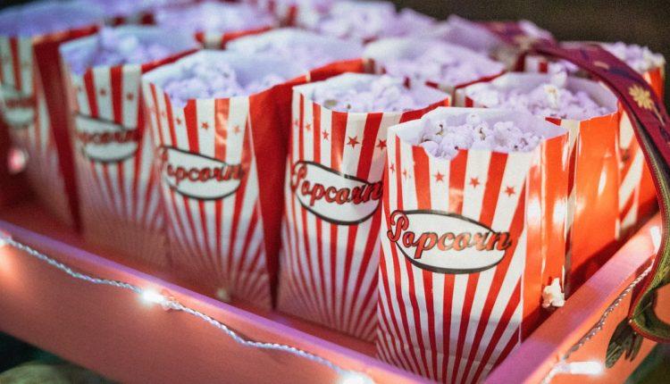 Ngạc nhiên chưa! Các rạp chiếu bóng 'sống khỏe' nhờ…popcorn