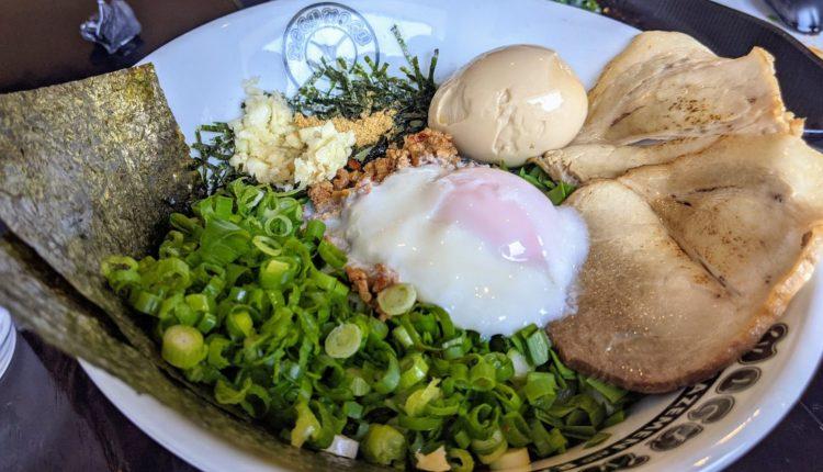 Thử 'mì khô' kiểu Nhật của quán Mogu Mogu mới mở ở Costa Mesa