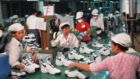 công nhân Nike